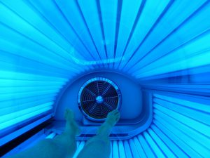 legs in a tanning bed